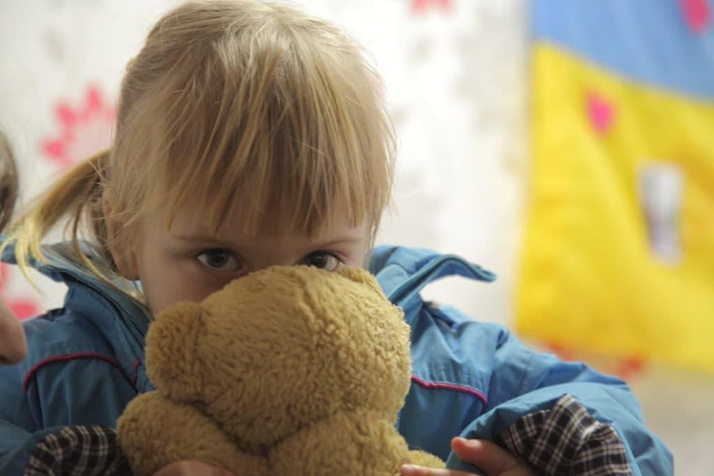 Допоможемо дітям в зоні бойових дій